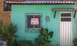 Vende-se casa na Praia do Futuro