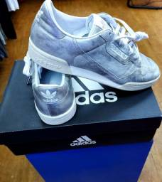 Tênis Adidas original top! Estilo casual ! De couro! Loja 450 quero 219!