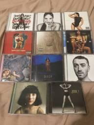 CDs Demi Lovato, Camila Cabello, Britney Spears, Halsey, Sam Smith
