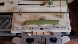 Máquinas de tricô e bordado manual