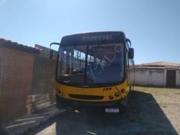 Vendo ou troco ônibus 1417 Mercedes novo.