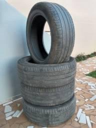 Título do anúncio: Pneus Michelin 215 55 R17