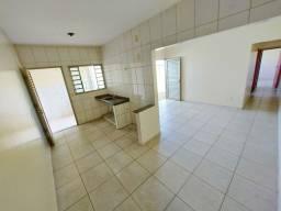 Título do anúncio: Casa com 2 dormitórios para alugar, 60 m² por R$ 750,00/mês - Jardim Petrópolis - Goiânia/