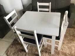 Mesa + 4 cadeiras (ENTREGO)