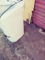 Vendo lavadora colormaq 13 kg. Super capacidade pra vender logo 220.00