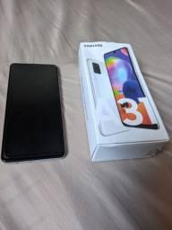 Samsung A31 com 6 meses de uso, sem marcas de uso.