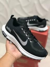 Tênis Nike zom.