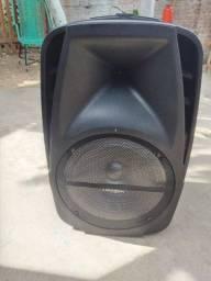 Vende-se caixa de som semi nova, 500 reais pra vender logo