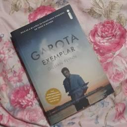 Livro Garota Exemplar - Gillian Flynn