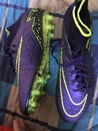 Chuteira Nike hypervenom profissional