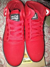 Tênis Ride Skate Board vermelho lindo novo na caixa