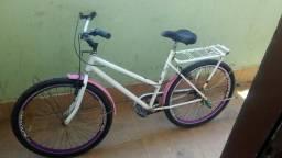 Bicicleta em otimo estado so pegar e andar