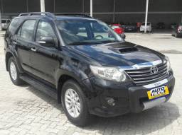 Toyota Hilux Sw4 2013 Extra 7 lugares - 2012