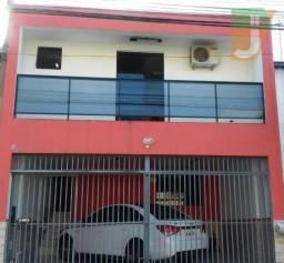 Sobrado com 4 dormitórios à venda, 160 m² por R$ 370.000,00 - Fazendinha - Curitiba/PR