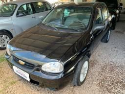 CORSA Sedan Life 2010 1.0 C/Ar Condicionado. Rodas R$15.600,