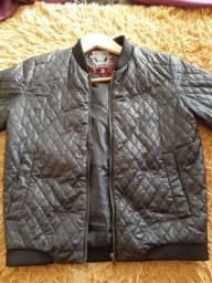 Jaqueta de frio preta por 55 reais