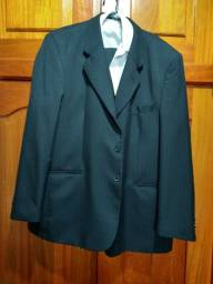 Paletó masculino completo com calça camisa e paletó.