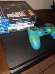 PS4 500GB 1 ANO DE USO! BEM CONSERVADO!