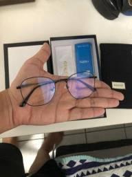 Óculos com lente azul novo!