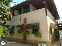 A = Excelente Casa com 260 M³ Sendo 03 Qts 02 Suítes 01 Home Office !