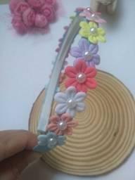 Tiara florzinhas coloridas