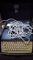 Título do anúncio: Vendo Máquina de Escrever Raridade de Colecionador<br><br>