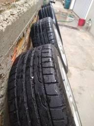 Rodas Civic com 2 pneus novos e 2 meia vida