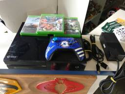 Xbox one fat + 3 games
