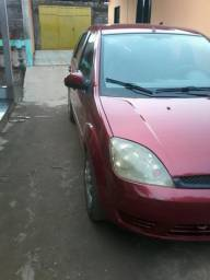 Carro fiesta 9.000,00 - 2005