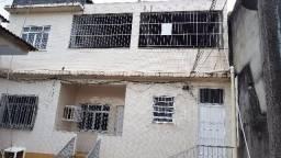 Alugo casa 2 quartos com terraco e 2 wc