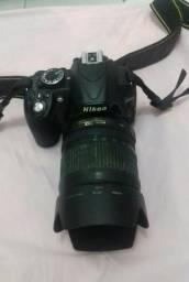 Vendo câmera nikon d3100 com lente 18 105 e acessórios + flash extra sb800