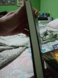 Vendo esses 2 livros,quarto de guerra e batalha espiritual comprar usado  Valparaíso De Goiás