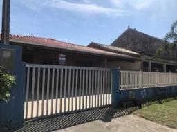Casa beira-mar com piscina em shangri-lá