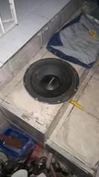 Vendo alto-falante Selenium de 12 polegadas 1800 watts e 800 RMS puro