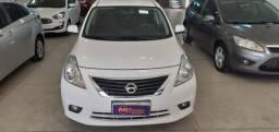 Nissan Versa 1.6 SL Flex 2014/14