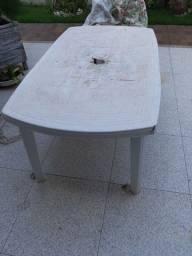 Mesa e cadeiras plasticas/Ji Paraná