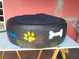 Caminha feita de pneu