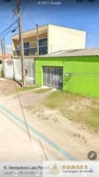 Sobrado 5 dormitórios, 2 salas, 2 bwc, cozinha, área de serviço c/ churrasqueira, 3 vagas