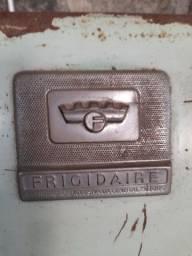 Título do anúncio: Refrigerador antigo Frigidaire original