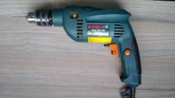 """Furadeira Bosch 1/2"""", modelo PSB 500W RE, 220v, bom estado"""