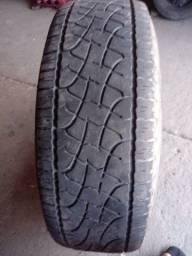 Vendo um pneu 235 75 15 por 150 montado