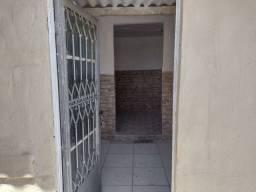 Pilares alugo casa 1quarto 500.00