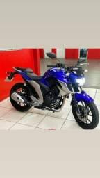 Moto Yamaha Fz250