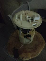 Bomba de combustível com sensor