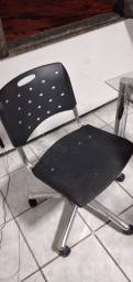 3 cadeiras de escritórios