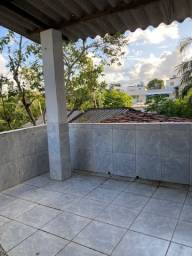 Título do anúncio: Alugo 1° andar com varanda/área de serviço
