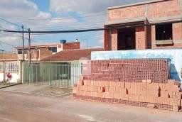 Sobrado 03 quartos (01 suíte) e 02 vagas no Sítio Cercado, Curitiba