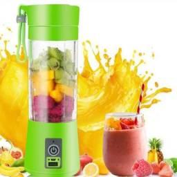 Cup Fast Preparador de Shakes, sucos e vitaminas portátil