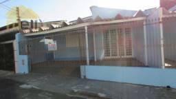 Casa com 3 dormitórios para alugar, 142 m² por R$ 900/mês - Vila Paulo Roberto - President
