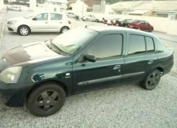 Clio Sedan 2006 1.0 16v Completo (whats *) - 2006